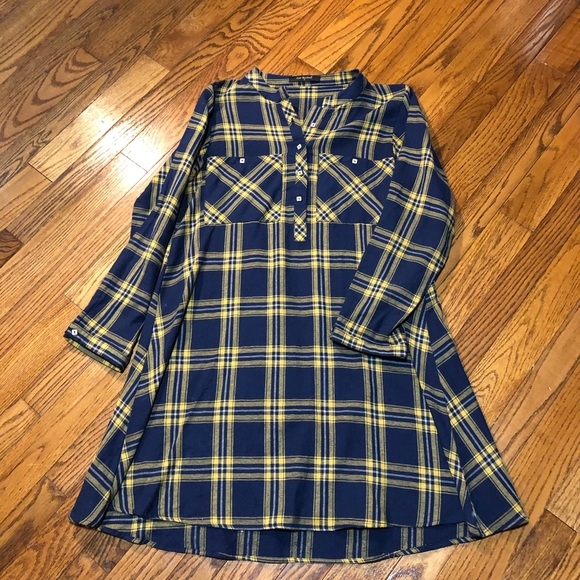 East Breakout Plaid Dress Size Small